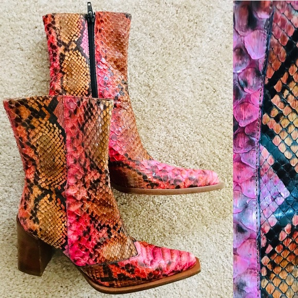 873261bf62f LE SILLA Pink SNAKESKIN BOOTS Made in ITALY Sz 37
